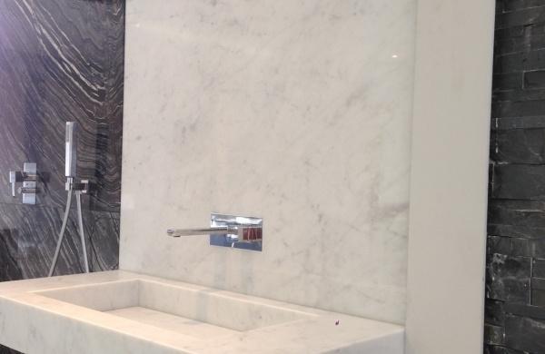 bianco carrara salle de bains en marbre blanc de carrare blanc carrare marbrerie de la crau pierre marbre granit quartz ardoise
