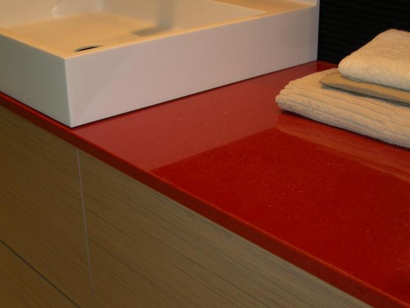 Ardun Plan de vasque pour salle de bains moderne en quartz New Rubino poli.