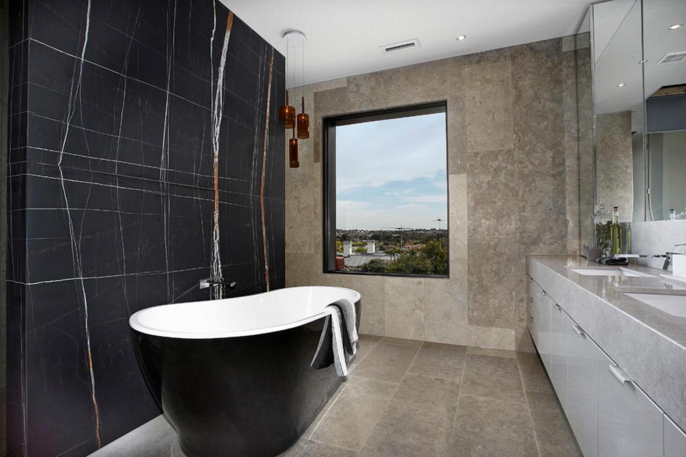 Pierre calcaire Salle de bain en marbre Noir du Sahara