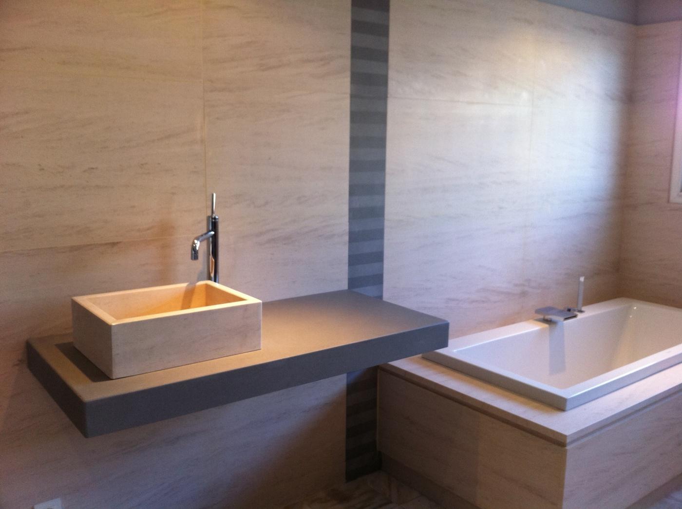 Salle de bain en Moca Creme Plan vasque en Pietra Serena