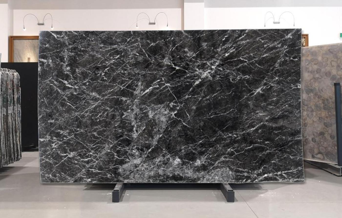 Onyx tranche marbre gris carnico