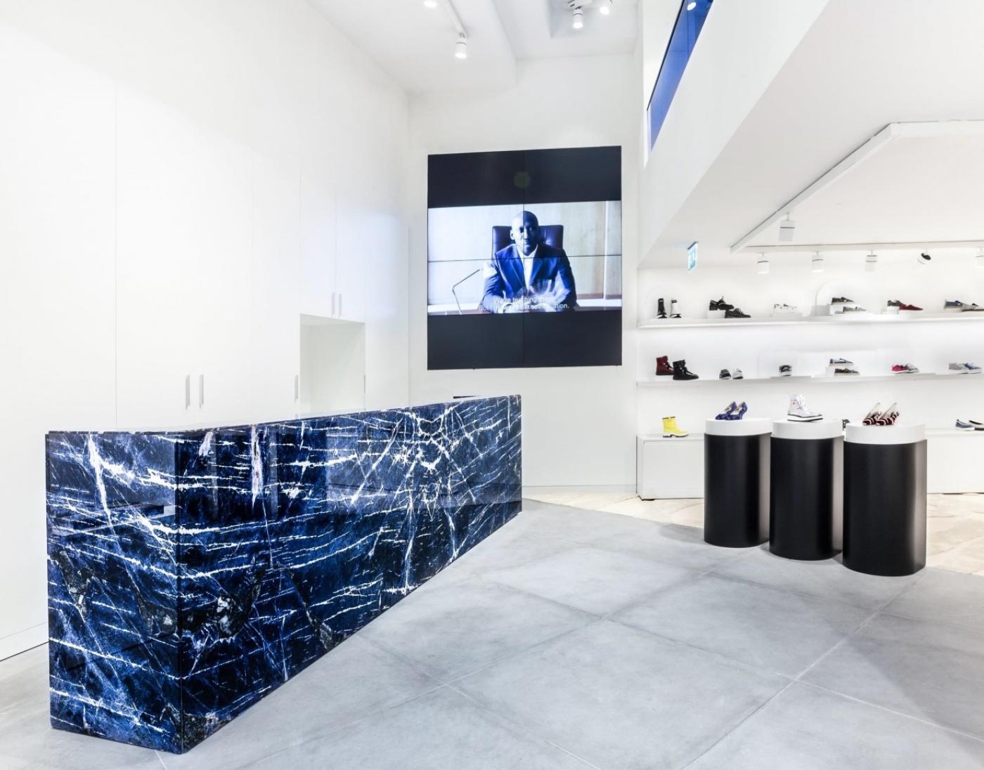 Cash Desk Kenzo Barcelona Paceo de Gracia La marbrerie de la crau est le spécialiste des secteurs du luxe et du retail.