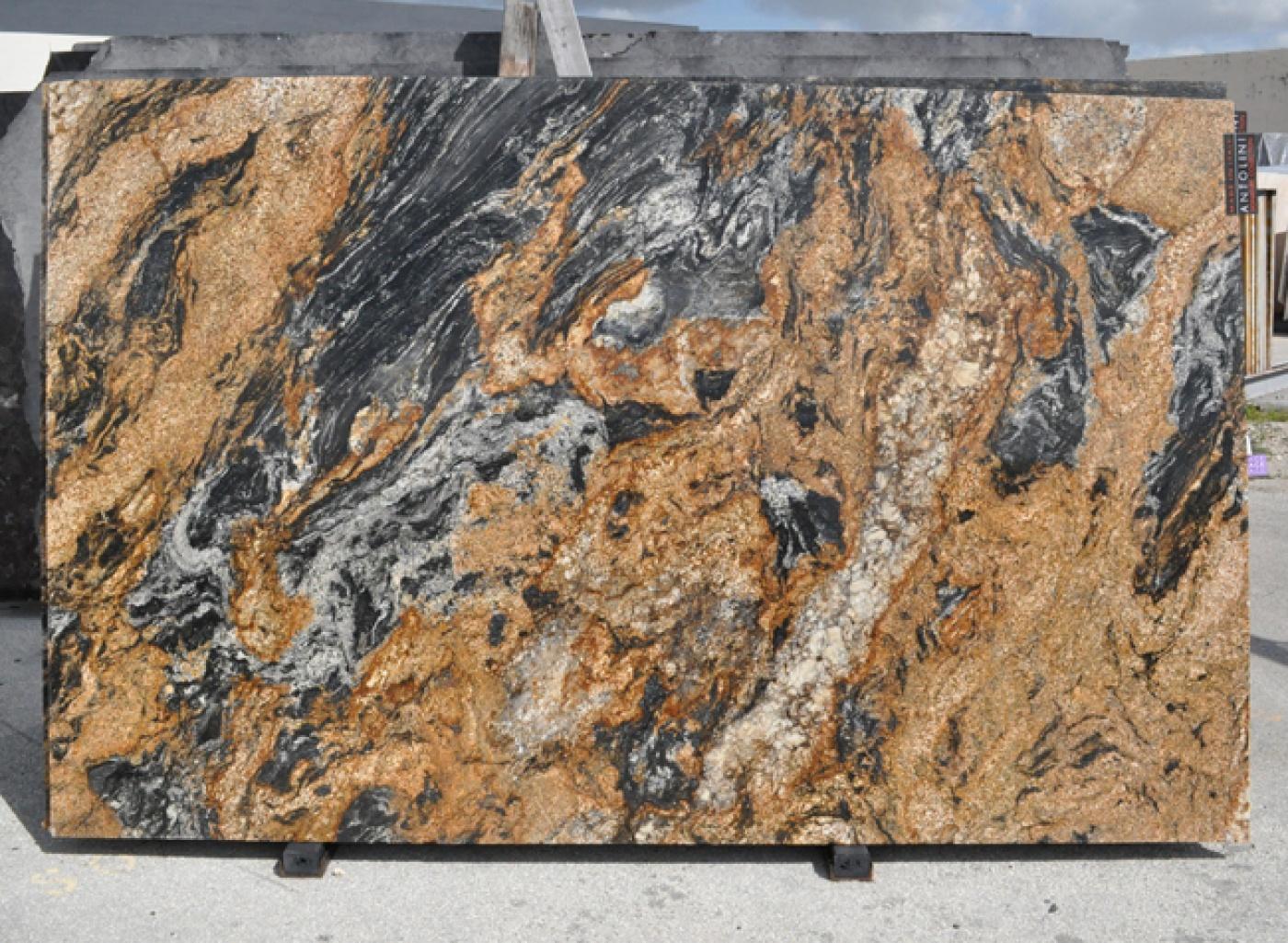 Marbre Magma Gold