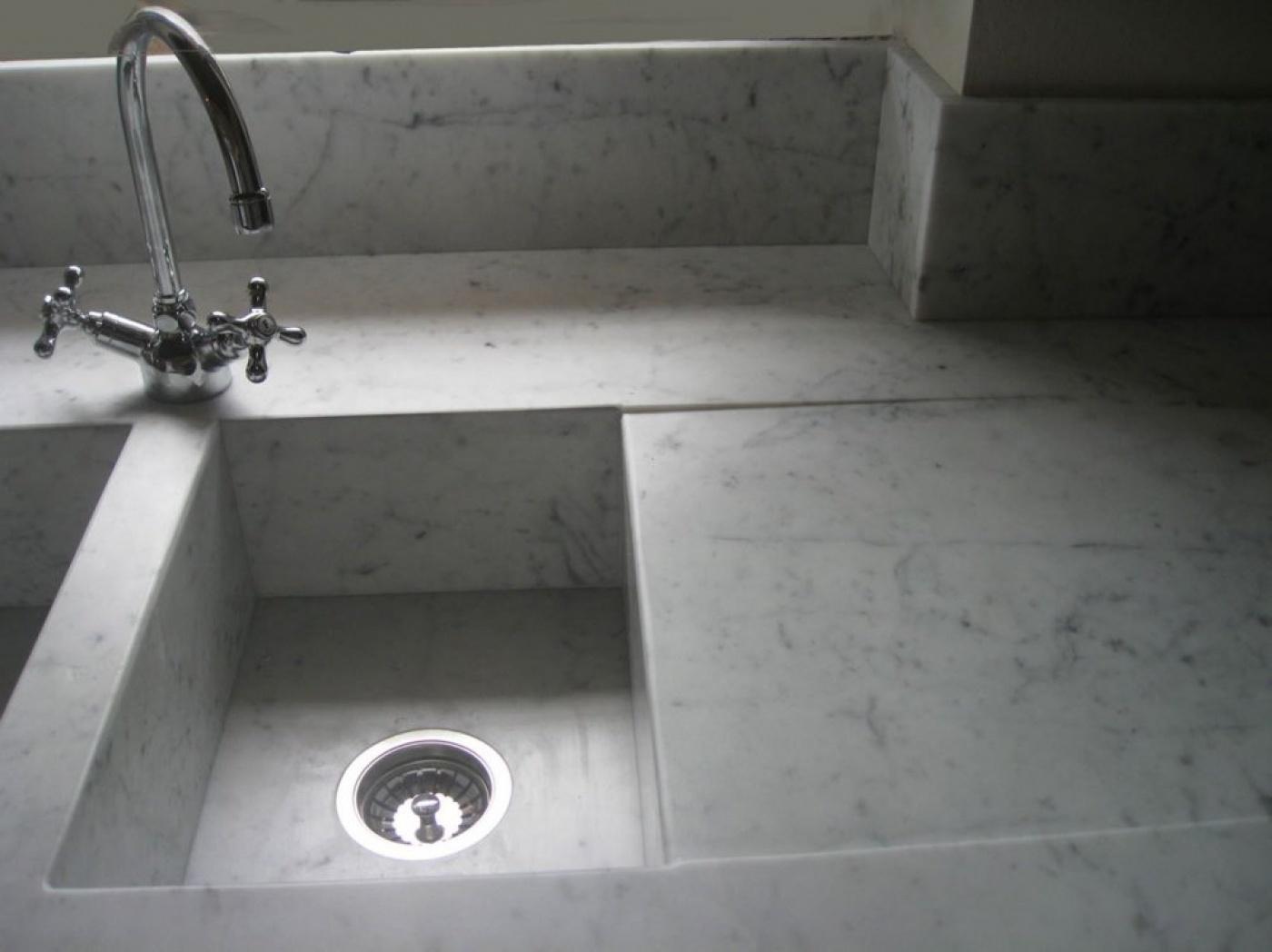 Composite Quartz Bianco Carrara Kitchentop