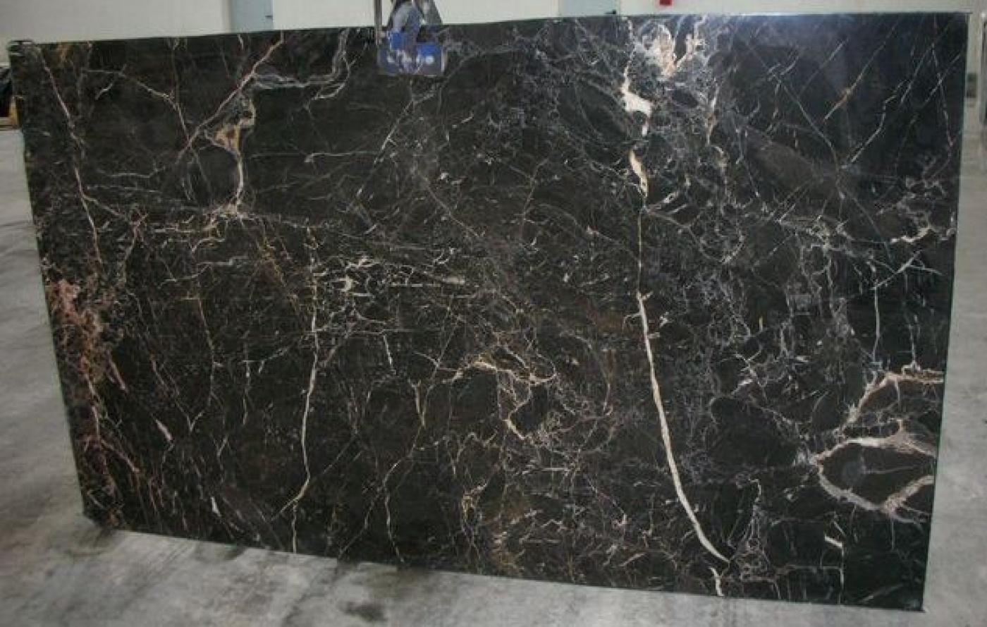 Quartzite Noir Saint Laurent