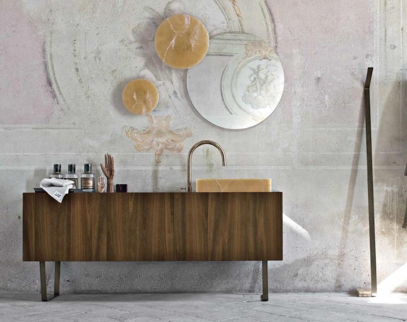 Granit Bains avec meuble, miroir et robinet Altamarea Must et vasque en Onyx.