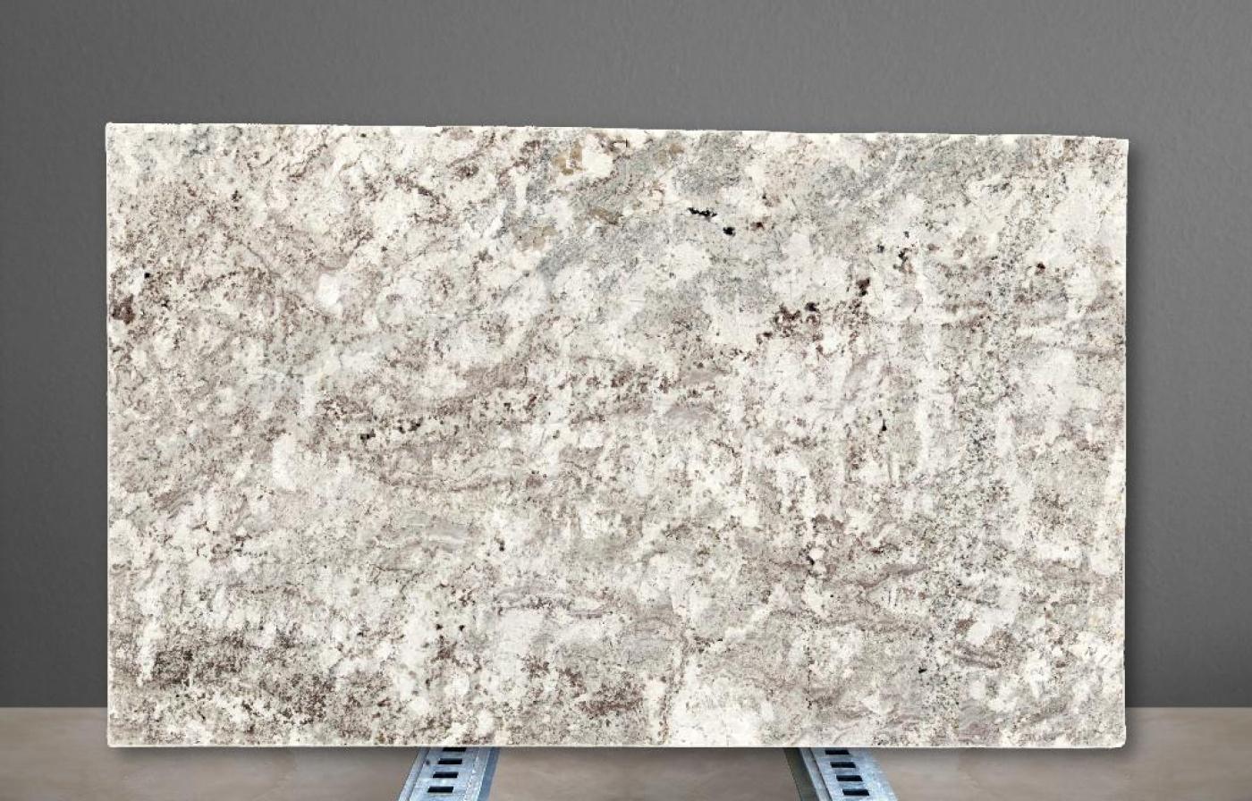 Marbre Alaska White granite slabs