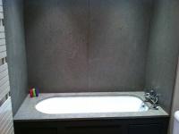 Tablette et murs de baignoire Azul Valverde. Chantier réalisé à Chateaurenard (13) Architectes LAFOURCADE
