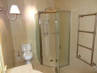 Sols et murs en Mareuil 60x60 adouci Fond de douche sur mesure en pointe de diamant Chantier réalisé à Cannes