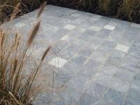 Pavés vieillis en pierre calcaire Bleu Vietnam 20x20