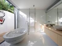 Baignoire et vasque massive en marbre blanc statuaire