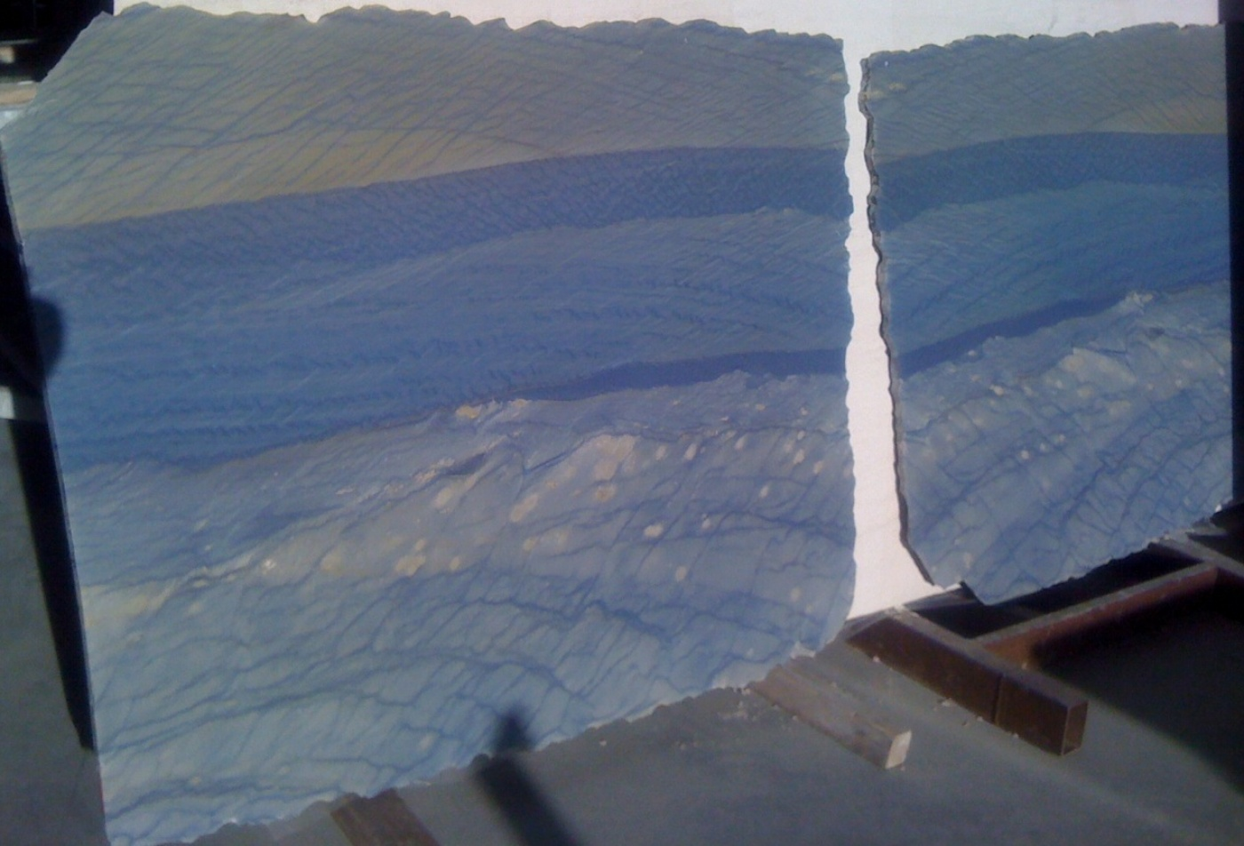 Marbre Azul Macaubas poli à livre ouvert