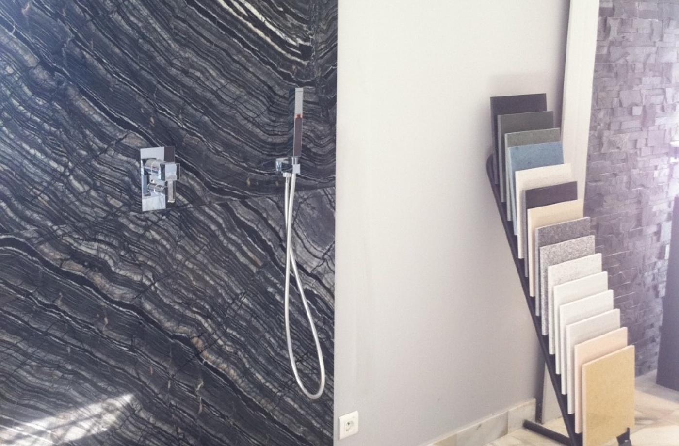 Fonds et murs de douche en Silverwave