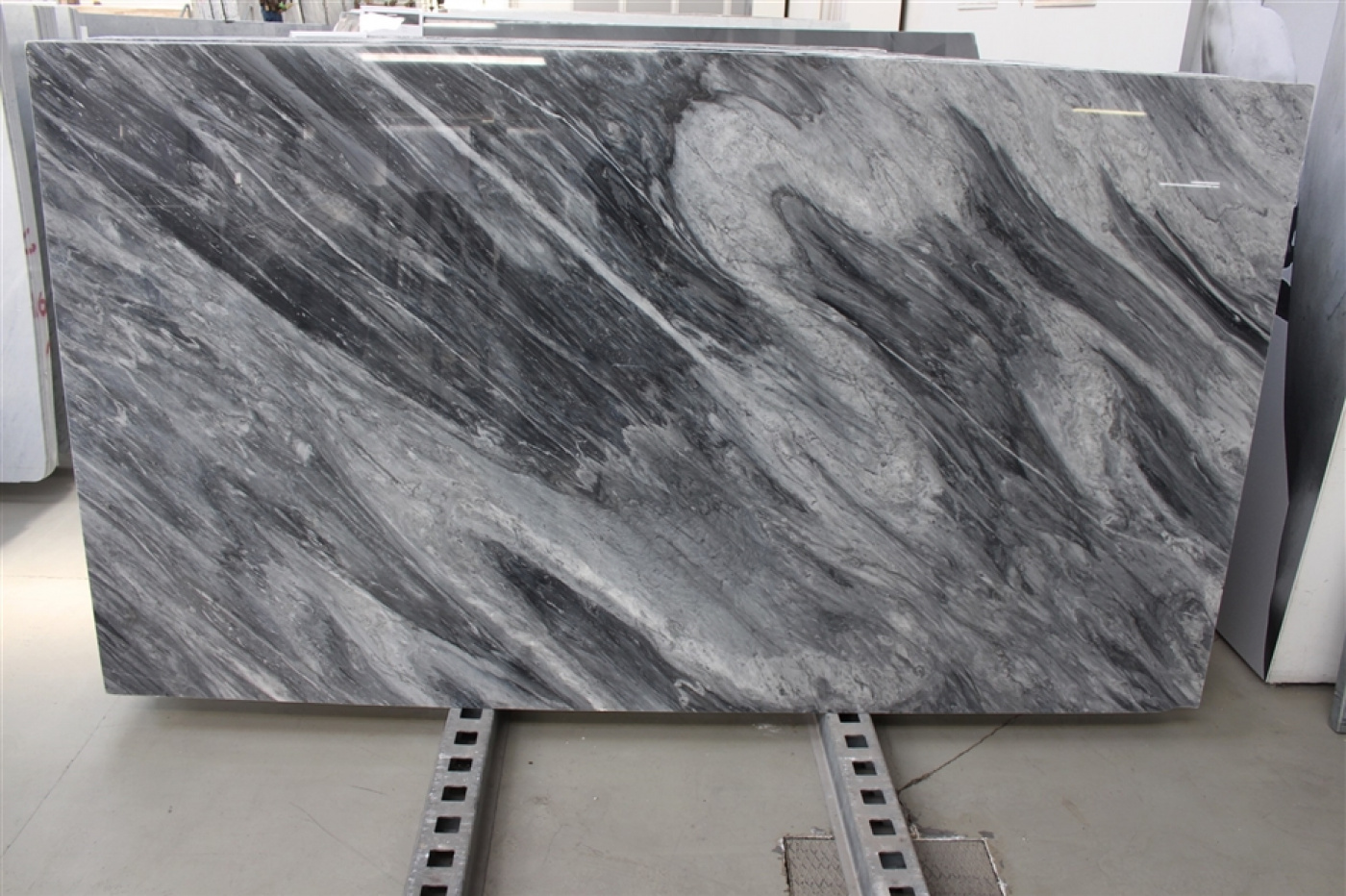 Onyx tranche de marbre gris bardiglio nuevelato