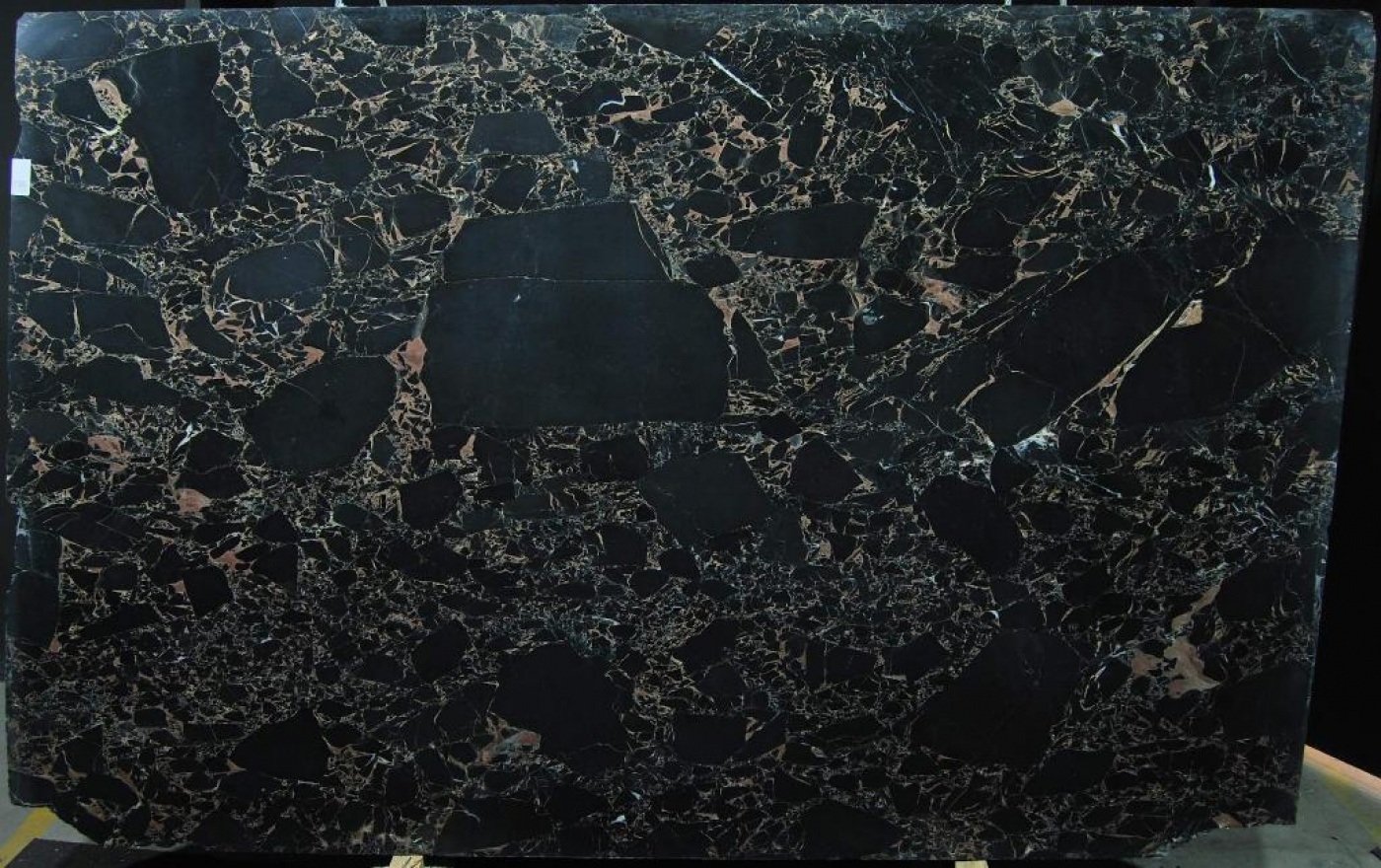 Vendome Black slab