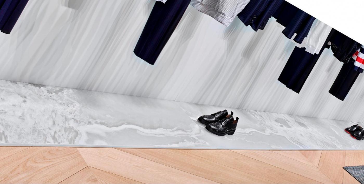 Onyx white Supreme podium Dior Homme