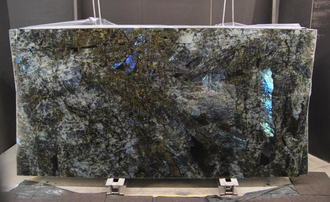 Labradrotite Lemourian Blue