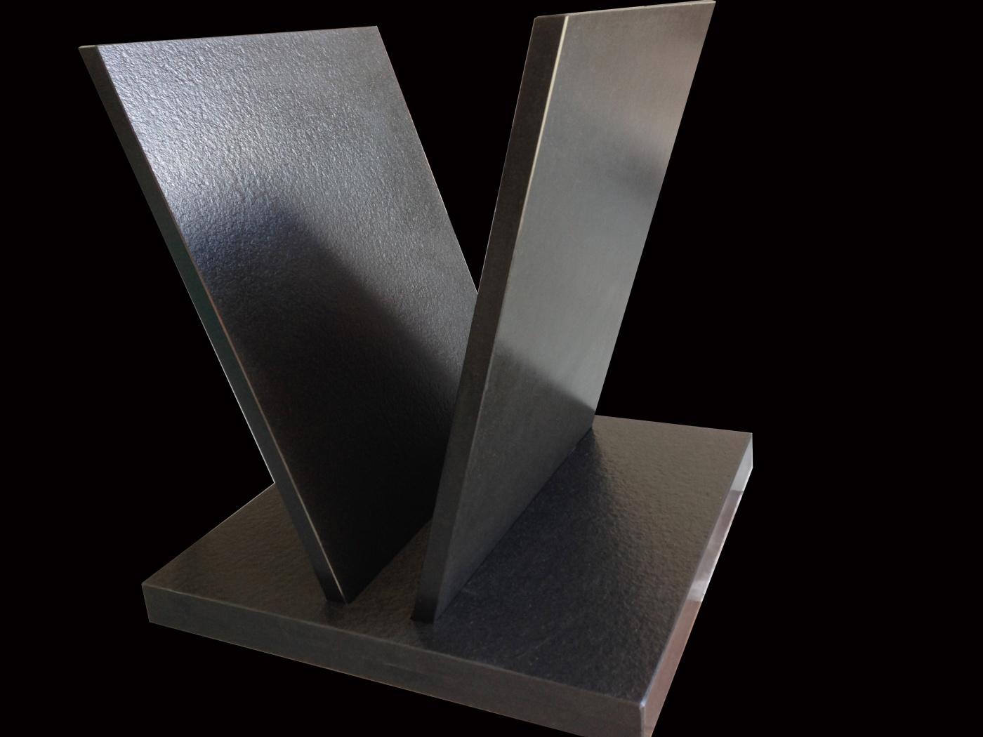 Pied de Table en Granit Noir Zimbabwé