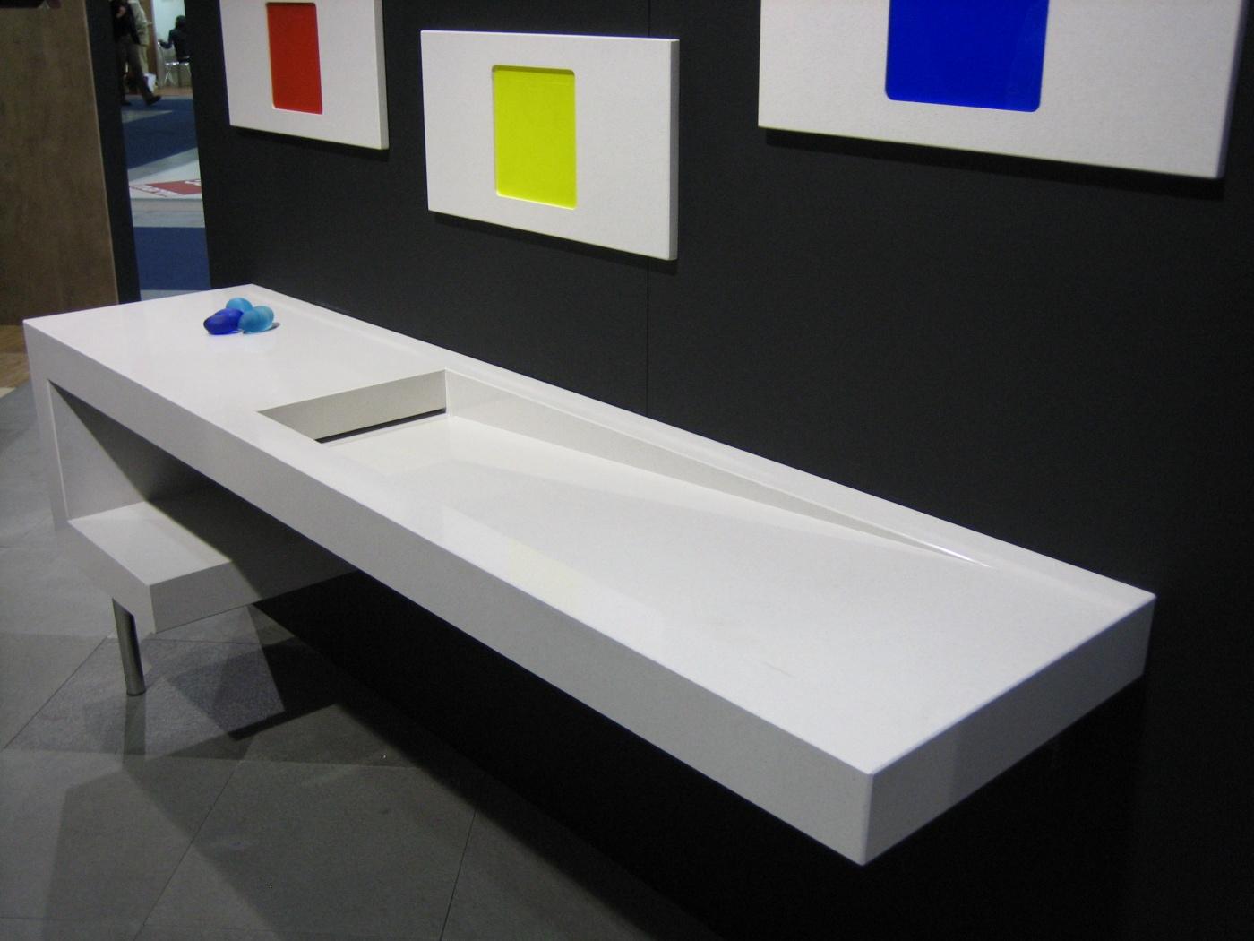 Marbre Fabrication de Vasque au design moderne en Quartz Bianco Assoluto.